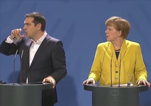 Sprachlose Rede von Merkel und Tsipras