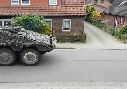 Das Mädchen und der Panzer