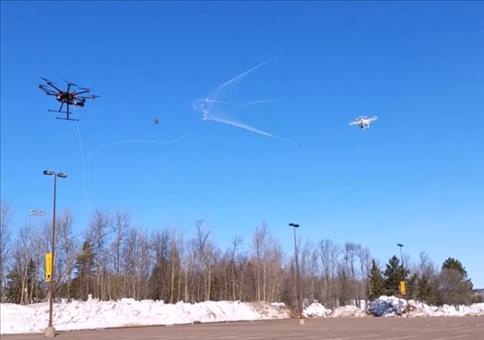 Drone auf Dronenjagd