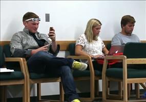 Streich: Mit Siri die Weiber anmachen