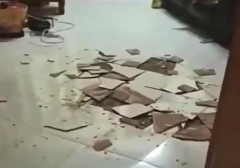 Ist da die Fußbodenheizung zu heiß eingestellt?