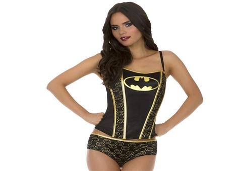 Sexy Batgirl in gold