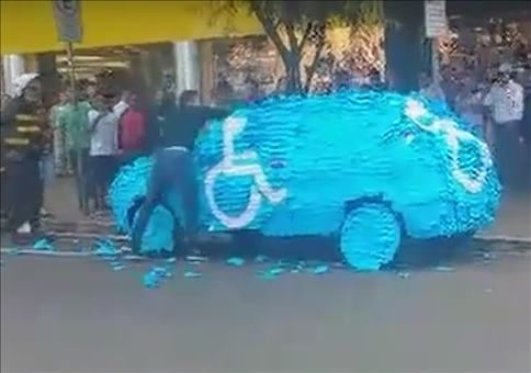 Parke nie in widerrechtlich auf einen Behindertenparkplatz!