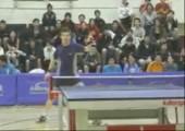 Etwas übertriebene Freude beim Tischtennis