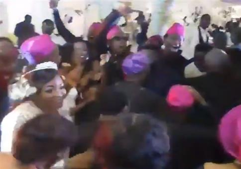 Hochzeit in Nigeria mit fetziger Musik