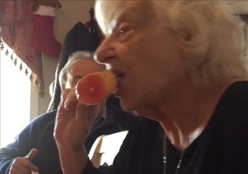 Kleiner Scherz mit der Oma