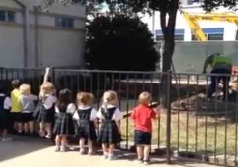 Kinder bringen Motivation auf die Baustelle