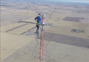 Glühbirne in 460 Metern Höhe wechseln