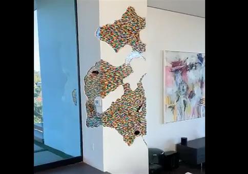 Kleine Legowelten in Wänden
