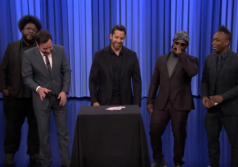 David Blaine zeigt Kartentricks bei Jimmy Fallon