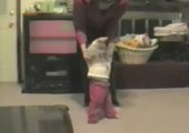 Babys erste Schritte - Scheiße gelaufen