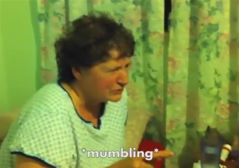 Oma nachdem sie Hanfkekse gegessen hat