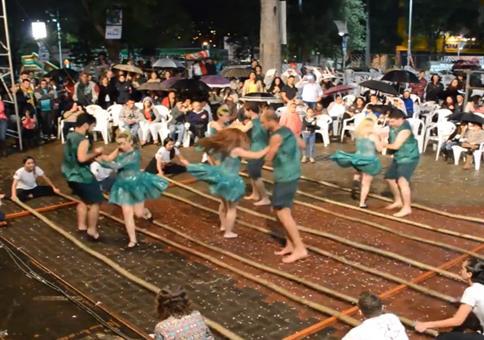 Brasilianischer Bambus-Tanz