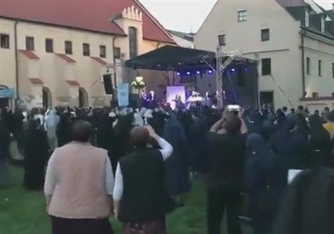Nonnen Rave