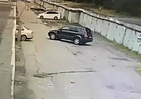 Ganz vorsichtig in die Garage fahren