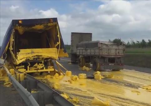 LKW hat viel gelbe Farbe verloren