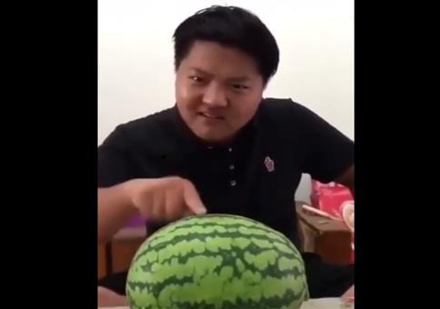 Melonen Headbutt