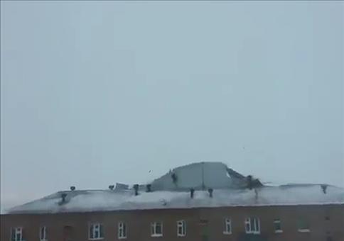 Vorsicht! Da kommt ein Hausdach!