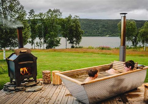 Schwedischer Holz-Whirlpool aus Aluminium und Eiche