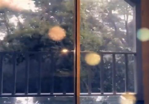 Kleiner Sturm vorm Fenster