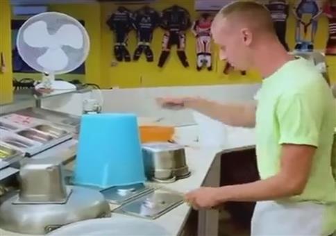 Da wird der Pizzabäcker zum Trommler