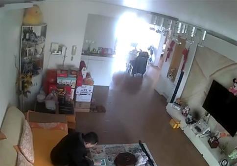 Da explodiert ne dicke Batterie im Wohnzimmer