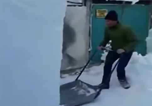 Schneeschaufeling Extreme