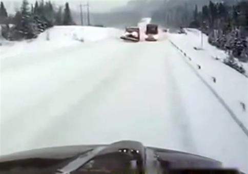 Schnee auf den Straßen: USA vs. Russland