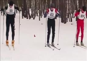 Krasser Start bei Ski Langlauf