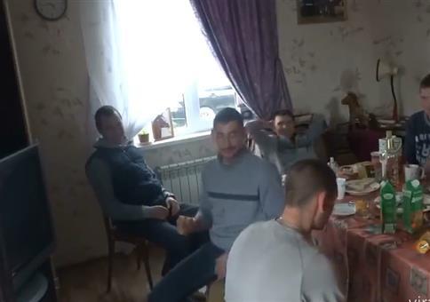 Russen beim Frühstück