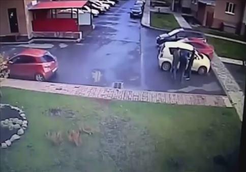 Da ist leicht was schiefgelaufen beim Ausparken