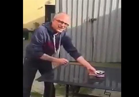 Surströmming (Stinkefisch) probieren