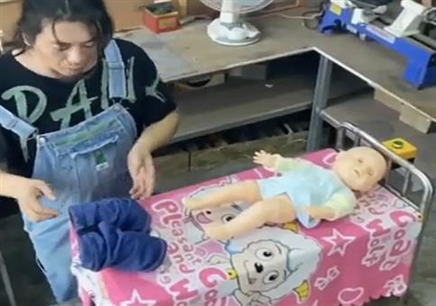 DIY Kinder-Hosen-Anzieh-Maschine