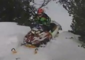 Schneemobil vs. Hinterkopf
