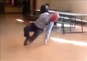 Lehrer beherrscht Breakdance