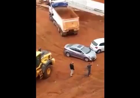 Die Abkürzung zum Parkplatz über die Baustelle