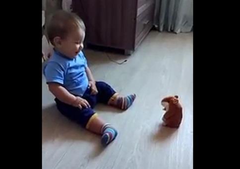 Terrorspielzeug sprechender Hamster