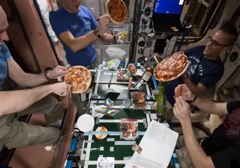 Pizza in Space - Pizza Nacht auf der ISS