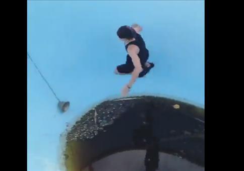 Schöne Erfrischung im Pool