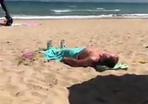 Strandverkäufer verarschen