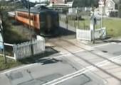 Neulich am Bahnübergang