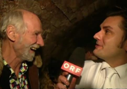 Interview mit frechem alten Mann