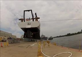 Kann sehr gefährlich sein: Schiff zu Wasser lassen
