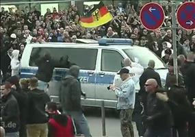 Hooligans vs Salafisten - Ein bisschen Hass muss sein