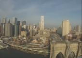 Ferngesteuertes Flugzeug fliegt über New York City