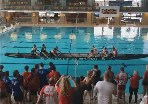 Polnisches Tauziehen auf dem Wasser