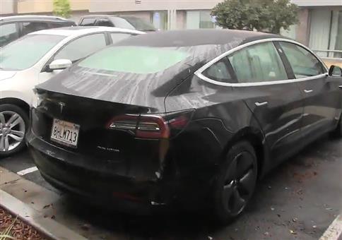 Designfehler bei Tesla Kofferraum