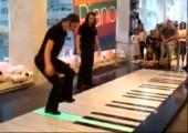 2 Girls 1 Piano