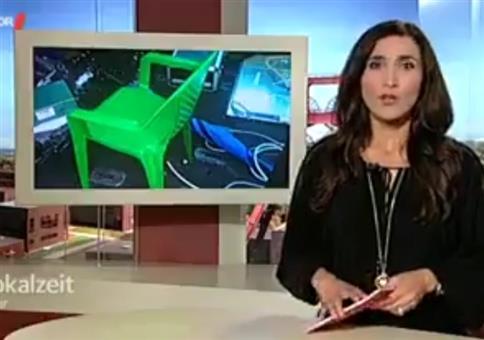 Lacher in den Nachrichten: Auto mit Plastikstuhl