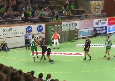Beim Handball mal schön die Eier abklatschen